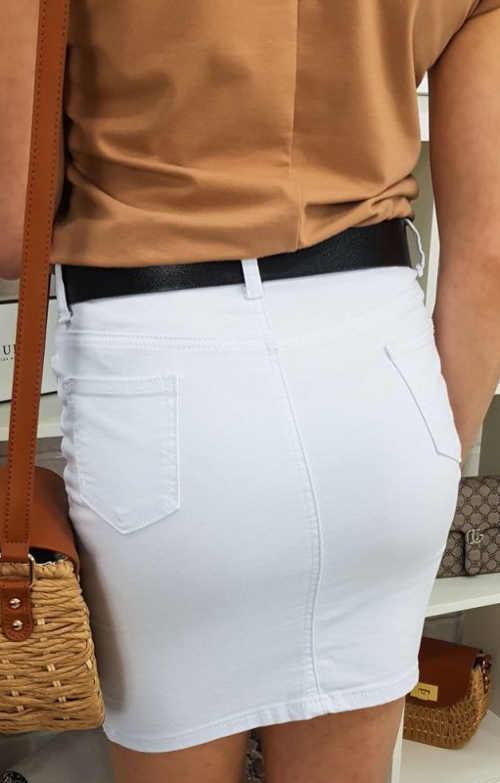 Biała jeansowa spódniczka mini z kieszeniami z tyłu
