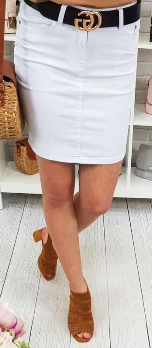 Biała spódnica jeansowa z czarnym paskiem