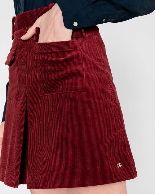 Bordowa sztruksowa spódnica z kieszeniami z przodu