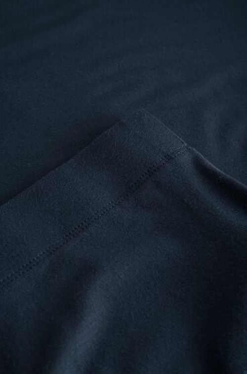 Damska spódnica jeansowa z seksownym rozcięciem