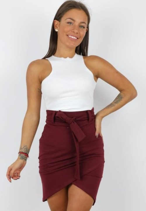 Krótka atrakcyjna spódnica damska