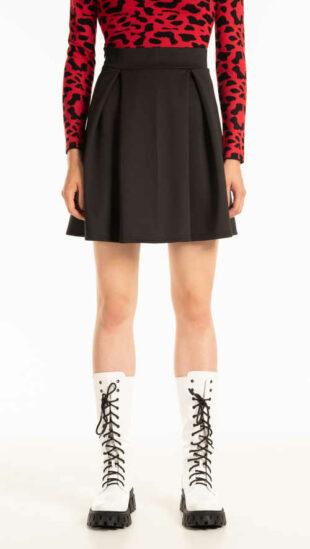 Nowoczesna spódnica mini w kolorze czarnym