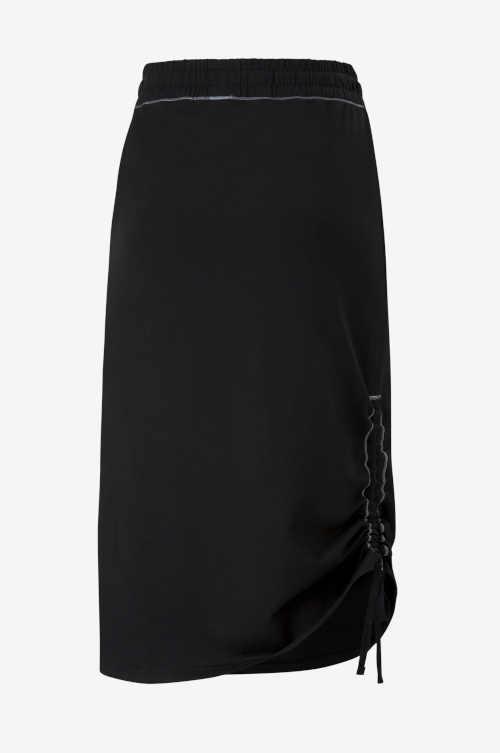 Puma czarna spódnica o długości midi