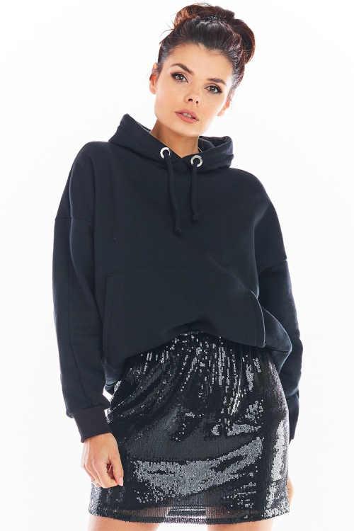 Stylowa czarna mini spódniczka z cekinami wykonana z wysokiej jakości materiału