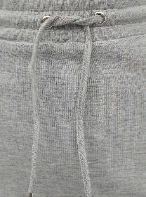 Sznurek do ściągania w talii spódnicy