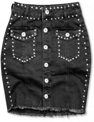 Czarna spódnica jeansowa ożywiona ozdobnymi srebrnymi nitami