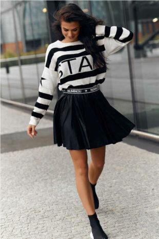 Modna czarna krótka spódniczka z wygodną elastyczną talią
