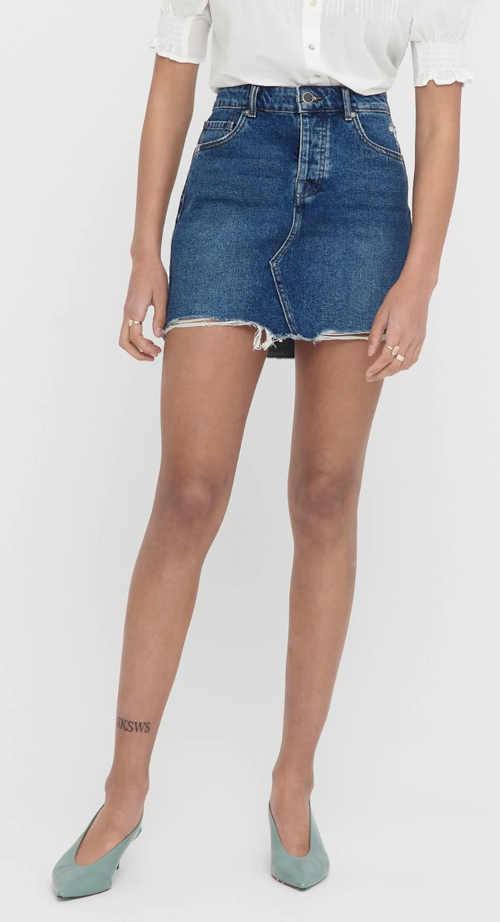 Modna spódnica jeansowa z postrzępionymi brzegami