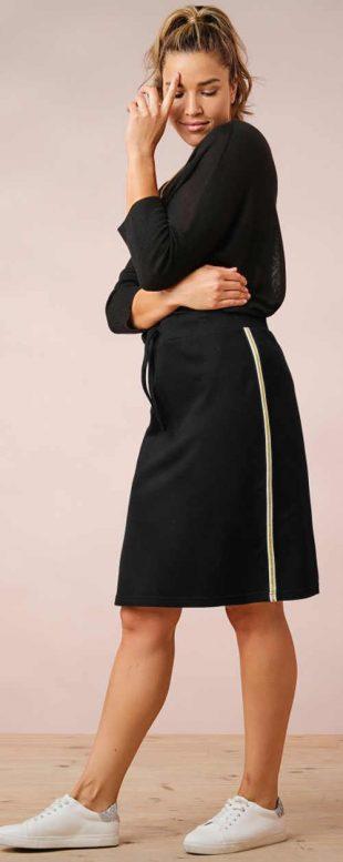Czarna dzianinowa spódnica dla plus size