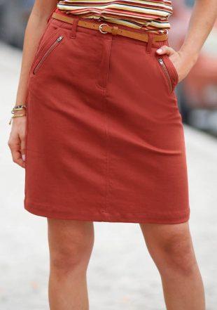 Damska prosta spódnica z kieszeniami i zamkami błyskawicznymi