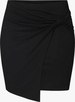 Krótka nowoczesna spódnica damska z asymetrycznym dołem